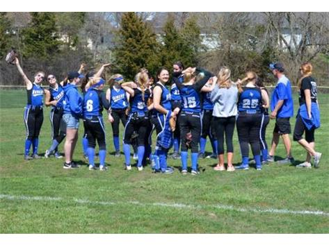 2016-2017 Lady Norsemen Softball Photo by Emma Nelson
