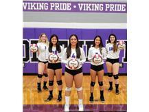 Seniors 2019  Niles North Girls Varsity Volleyball
