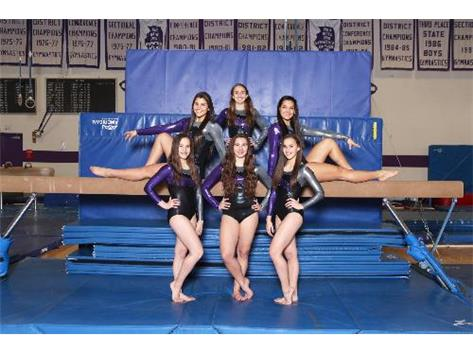 Freshmen: Kaylie VanDoren, Kyra VanDoren, and Mia Guzina.  Junior: Adriana Marijanovic Seniors: Rebecca Ainis and Nicole Hawel