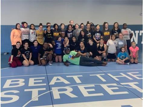 Girls Wrestle!