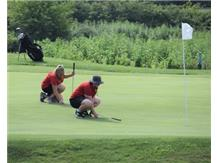 Sizing up the putt