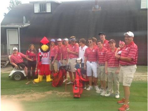 Reggie Redbird paying a visit to Ben Henson and the Ottawa Golf Team