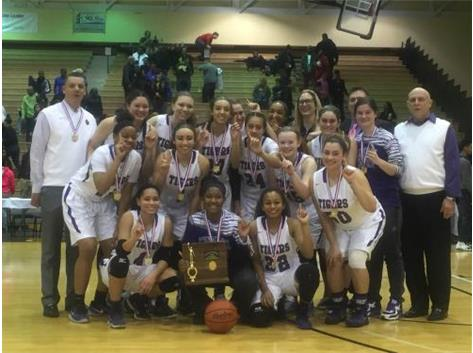 GIRLS BASKETBALL CAPTURES 2016 DISTRICT CHAMPIONSHIP
