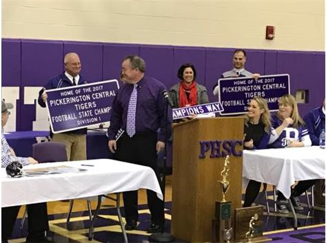 CHAMPIONSHIP SIGNS FOR PICKERINGTON