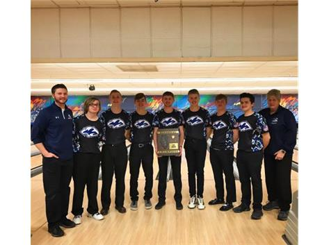 Coach Zettergren, Coach Schultz, and the Boys Bowling Team wins the 2019 IHSA Regional Championship!