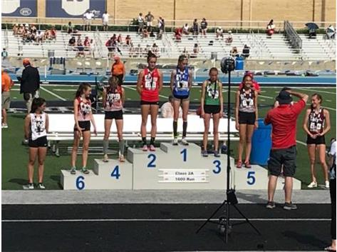 Lianna Surtz Class 2A State Champ 1600 Run 5:09.07 - Great job, Royals!