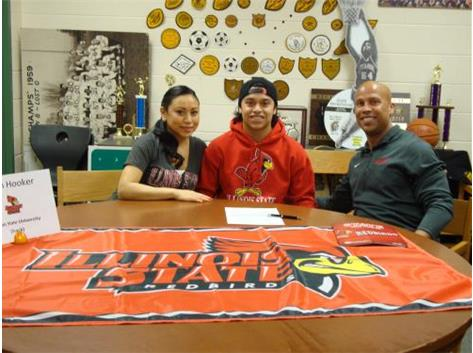 Dion Hooker signs with Illinois State University for Track