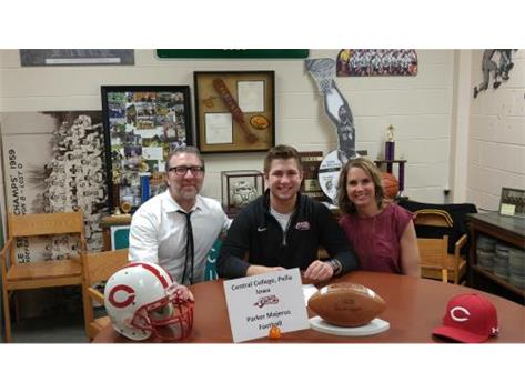Parker Majerus signed with Central College - Pella Iowa to play football
