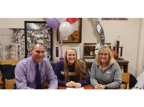 Camryn Anderson signs with McKendree University for Swimming.