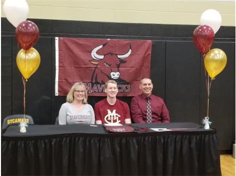 Gavin Anderson signs with Colorado Mesa University to swim.