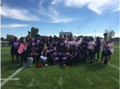 Juniors, Class of 2018 & Seniors, Class of 2017 Join Together After An Intense Powderpuff Game