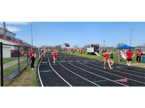 Hannah Russell @ Greenon 200 Hurdles 8th place 41.29