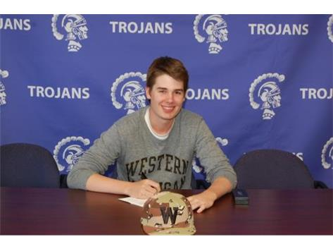 Nic Laio signs with Western Michigan