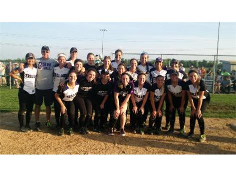 Softball wins the Sectional Semifinal against Benet