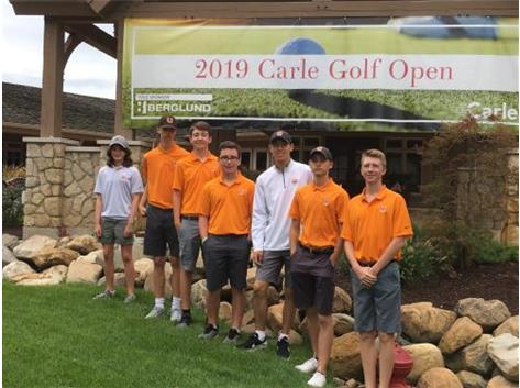 Urbana HS volunteers for the Carle Open Golf Tournament.