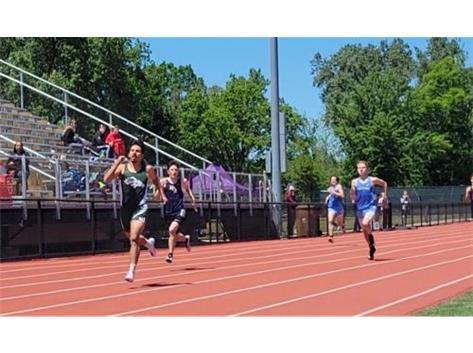 Senior Francisco Rodriquez - 400m dash