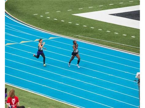 Sophomore Cinnamon Miles finished 1st in the 400m Dash at the IHSA State Track Meet.
