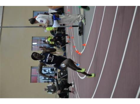 Grace running the 4x200 relay