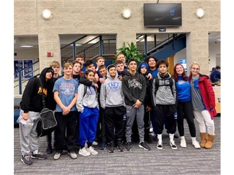 Wrestlers Finish Strong at Vernon Hills!