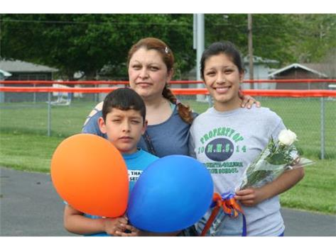 Heidy Perales and family