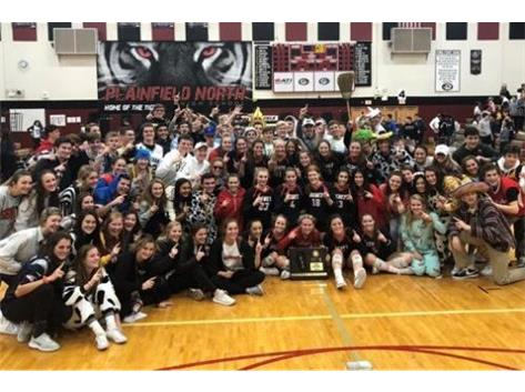 Benet Students Celebrate with Girls Volleyball Team 2018 Class 4A Sectional Champions