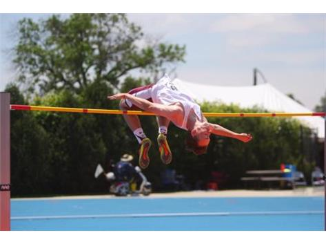 "Nick Jackson clears 6'9"" to win State"