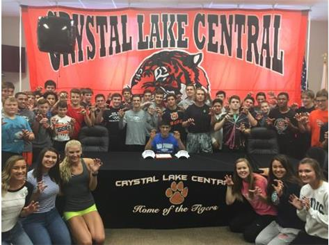 Lenny signs to wrestle at Air Force