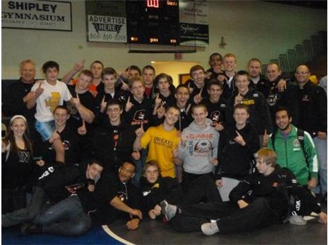 Varsity Wrestlers Qualify for Dual State Wrestling Tournament
