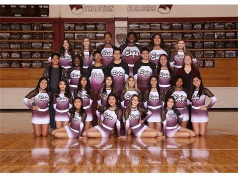 2018-2019 Varsity Cheer Team