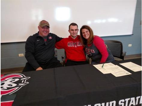 Max McGowan signs with St. Cloud State.