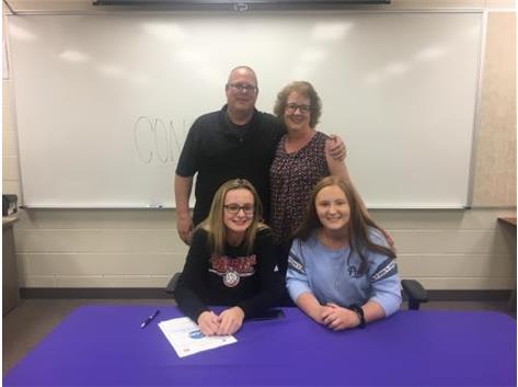 Lucy Magnussen signs w/Blackburn College 5/3/18.
