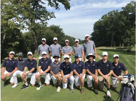 The Knights met with Coach Small and the University of Illinois golf team during a practice round for the Olympia Fields/Illini Classic on September 19, 2019