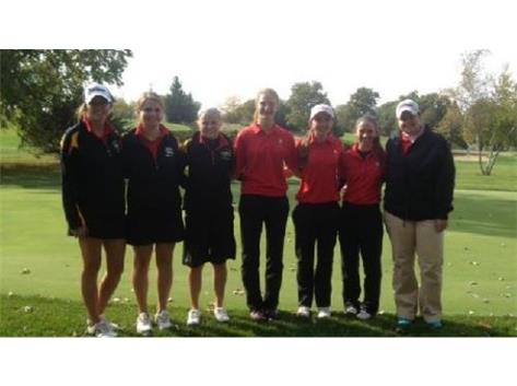 Varsity golfers at conference tournament