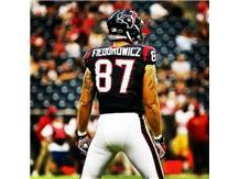 Johnsburg Alum CJ Fiedorowicz playing for the Houston Texans.