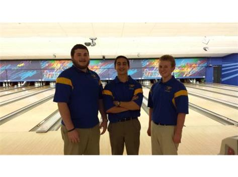 Congratulations to Evan, Alex and Ericson for qualifying for the IHSA Bowling Sectionals on Saturday, January 21.