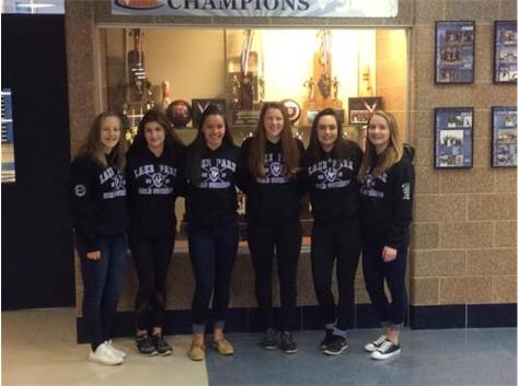 Girls Swimming IHSA State Qualifiers