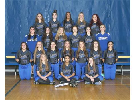 2017 Varsity Softball Team