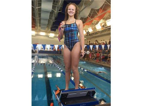 Alyssa Klug finishing 1st in the 200 Freestyle at Hoffman Invite