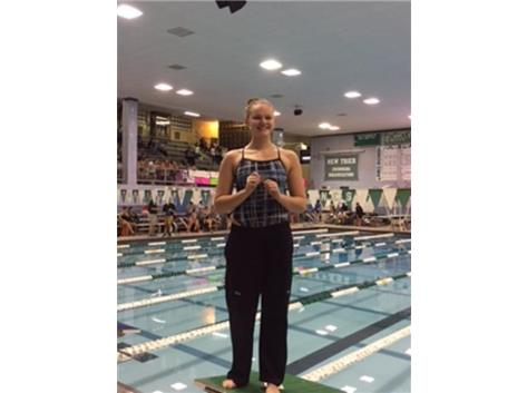 Congrats to Alyssa Klug on finishing 2nd in the 150 and 300 Free at Freshmen Conference