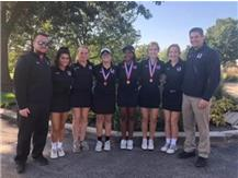 Girls Golf advances to IHSA Sectional