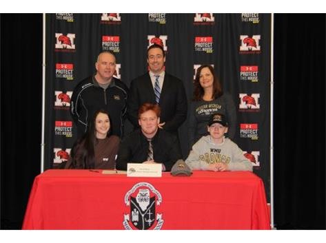 NSD 2017 Tommy O'Mara with family and Coach Dunne signing with Western Michigan football.