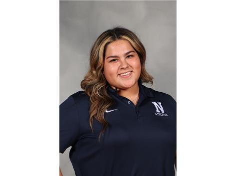 Senior Gianna Lopez - student trainer