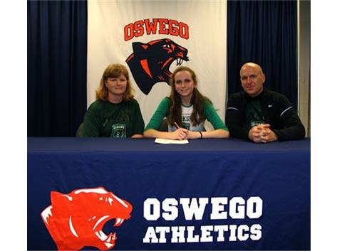 Maddie Kammerer signs with University of Wisconsin - Parkside to participate in Cross Country