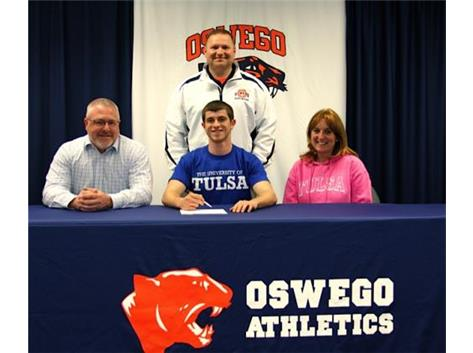 Luke Moran signs with University of Tulsa to participate in Boys Track.