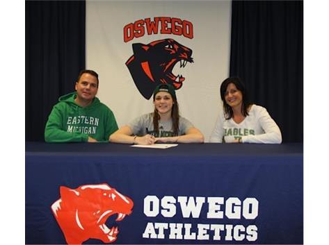 Alyssa Shugarman signs with Eastern Michigan University to swim.