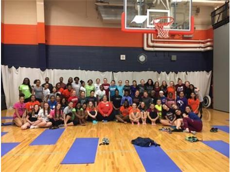 Team Yoga, 2017
