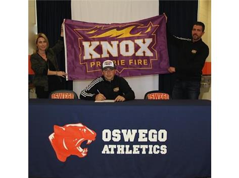 Tommy Falcone signs with Knox College to continue Golf.