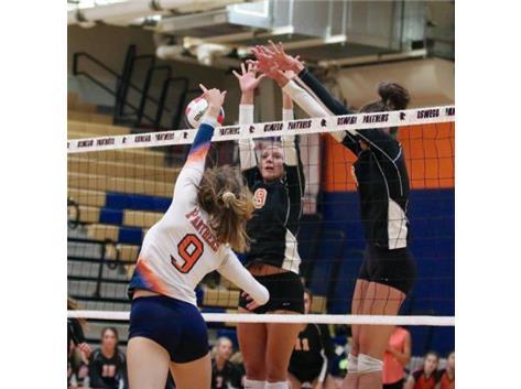 Lexi Miller swings through the block!