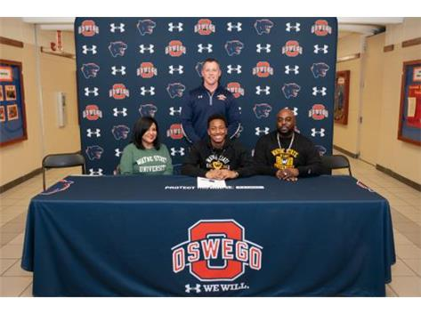 John Luke Patterson signing with Wayne State University to continue playing Football