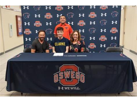 Nicke Palatine signs with Clarke University to continue playing Volleyball